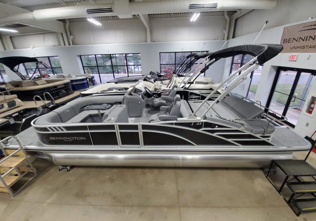 2021 Bennington 23 LSB Bowrider (11)
